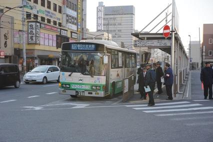 8時19分発の春日大社本殿行きをもって、近鉄奈良駅方面への運行が打ち切られた