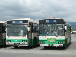 奈良営業所のいすゞ車と日野車