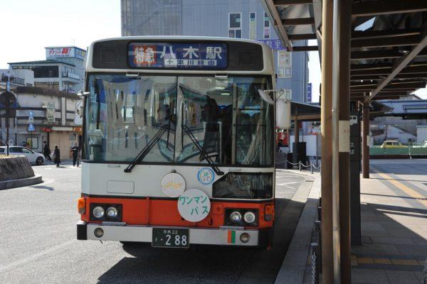 新宮駅から八木駅に到着した旧型車両