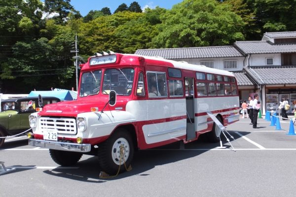 ジェイ・バス株式会社所有のボンネットバス