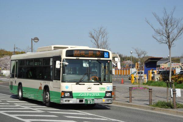 祝園駅に向かうノンステップバス
